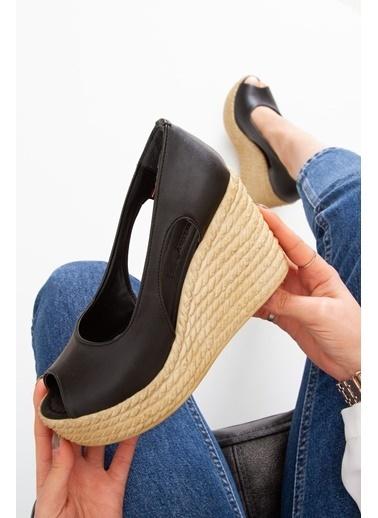 Derithy Older Dolgu Topuklu Ayakkabı-Hardal-Lzt0536 Siyah